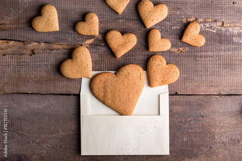 Staande foto Koekjes gingerbread cookies in an envelope