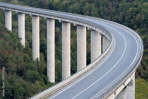 Carta da parati Large highway viaduct