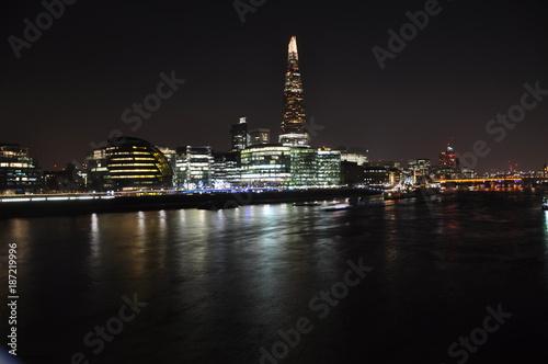Papiers peints Londres tower brigde de londres de nuit
