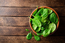 Fresh Spinach Leaves In Bowl O...