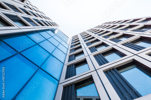 Cadres-photo bureau Batiment Urbain moderne Glasfassade eines Bürogebäudes