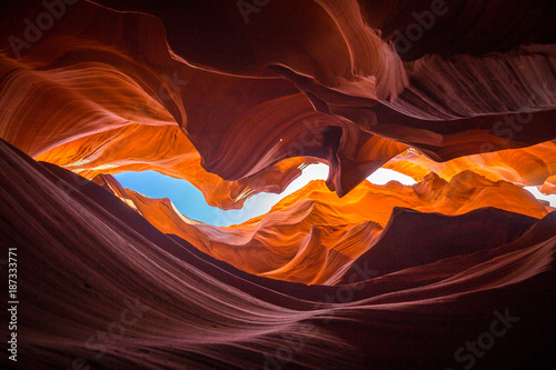 La pose en embrasure Rouge mauve Antelope Canyon, Arizona, USA