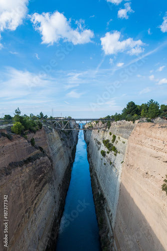 Obraz na plátne The Corinth Canal connects the Gulf of Corinth with the Saronic Gulf in the Aegean Sea