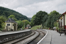 Station Buildings And Signal B...