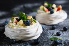 Pavlova Cake With Fresh Berries