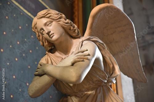 Ange en marbre en prière de l'église Saint-Gervais à Paris, France Slika na platnu