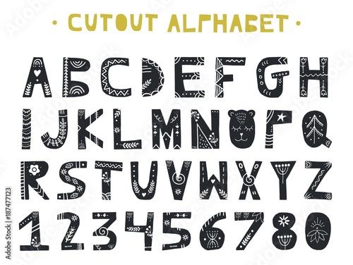 Wycinanka ABC - alfabet łaciński. Unikalne ręcznie wykonane litery z ornamentem ludowym w skandynawskim stylu.