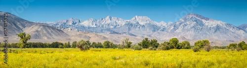 Foto auf Gartenposter Vereinigte Staaten Eastern Sierra Nevada mountain range in summer, Bishop, California, USA