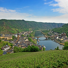 Luftaufnahme Von Cochem An Der...