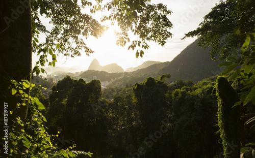 Poster de jardin Lieux connus d Amérique Sugarloaf mountain in Rio de Janeiro, Brazil