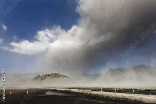 Foto op Canvas Vulkaan Volcano Ash Cloud Explosion / Eyjafjallajokull volcano erupting in south Iceland