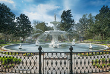 Forsyth Park Is A Large City Park That Occupies 30 Acres (0.12 Km2) In The Historic District Of Savannah, GA, USA