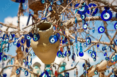 In de dag Turkije A nazar, charms to ward off the evil eye , in Cappadocia, Turkey