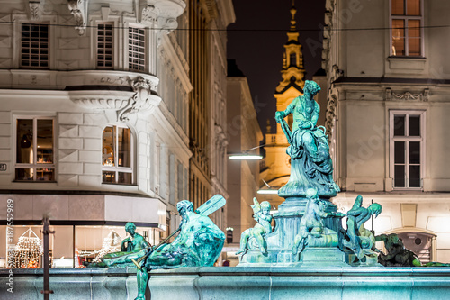fototapeta na lodówkę Donnerbrunnen fountain in Vienna in Christmas time