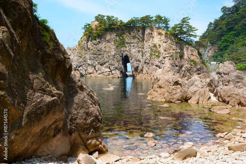 Fotografie, Obraz  日本百景の一つ笹川流れの眼鏡岩