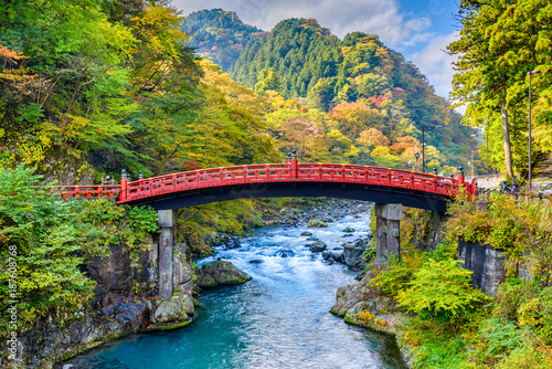 Stickers pour portes Lieu connus d Asie Shinkyo Bridge Japan