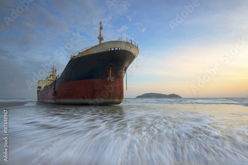 Foto op Canvas Schipbreuk shipwreck or wrecked cargo ship abandoned on Thailand