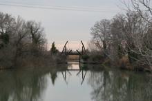 Le Pont Van Gogh à Arles L'hi...