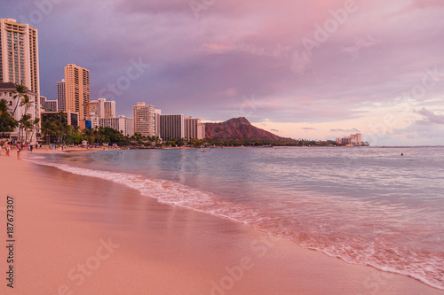 Amazing Purple Sunset At The Waikiki Beach In Honolulu
