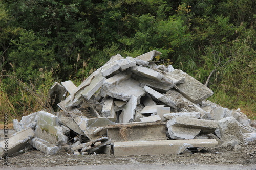 Fotografía 瓦礫の山(山形県)