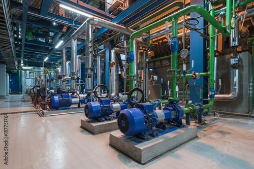 Cuadros en Lienzo Pumps in a cogeneration station