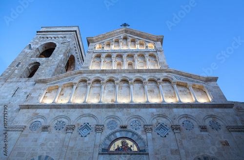 Obraz na plátně Cagliari, Italy - DEC, 2017  View of Cagliari cathedral (Saint Mary) facade - Lo