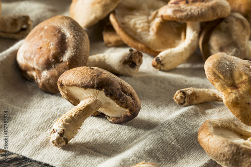 Photo  Healthy Organic Fresh Shiitake Mushrooms