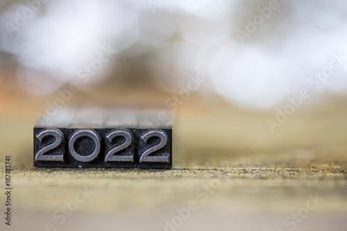 2022 Concept Vintage Metal Letterpress Word Plakat