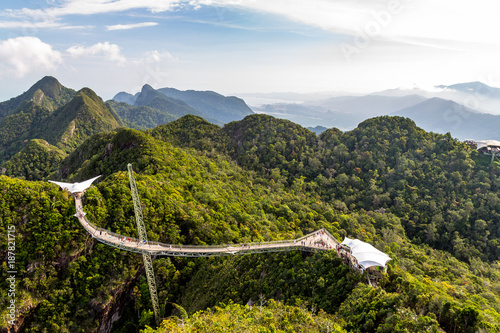 Fotografía  Langkawi Sky Bridge seen from the cablecar view point