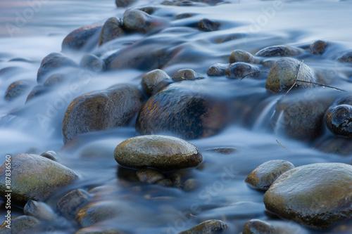 rwąca rzeka