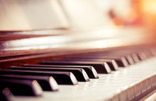 Classic Piano In Beautiful Liv...