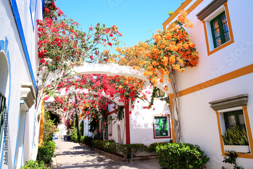 Foto  Colourful Puerto de Mogán on Gran Canaria Island, Canary Islands, Spain