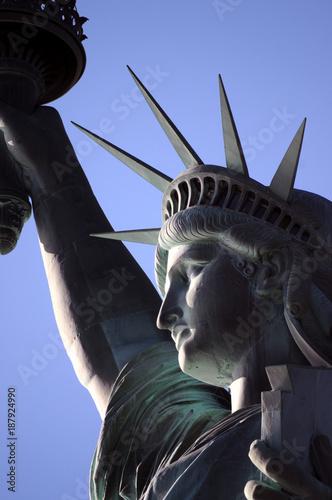 Statue of Liberty Manhattan Liberty Island New York City Enlightening the World Silvanute Ազատության արձան Freiheitsstatue Frihedsgudinden თავისუფლების ქანდაკება Statuja e Lirisë Vapaudenpatsas Usa Wall mural