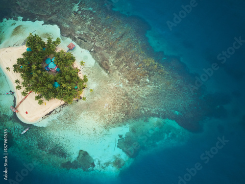 Poster Eiland Coral island in Nicaragua