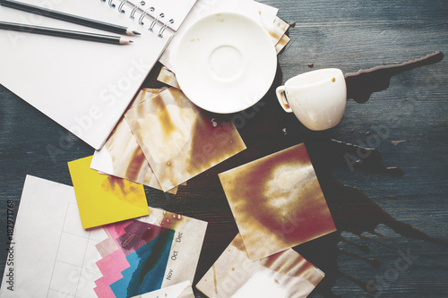 Office desk with spilt coffee Fototapet