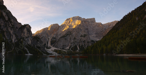 Foto auf Gartenposter Reflexion Mountains above the lake Lago di Braies in the fall, Dolomites, Italy