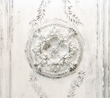 White vintage Relief on the ceiling - 188092940