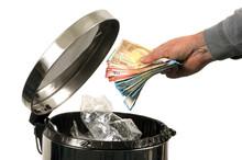 L'argent à La Poubelle