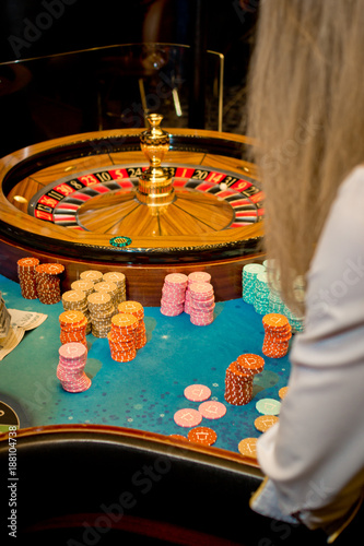 Foto op Aluminium Las Vegas Roullete wheel with stack of chips