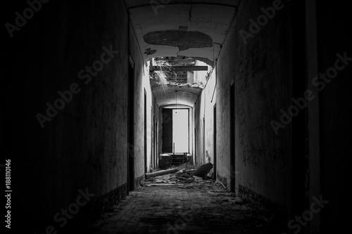 Foto op Plexiglas Wand La luz al final del túnel