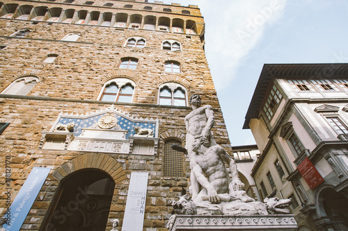 Poster Artistique italy, florence, July 19, 2013:Famous Fountain of Neptune on Piazza della Signoria in Florence, Italy