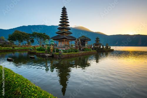Tuinposter Bali Pura Ulun Danu Bratar - water temple on Bali, Indonesia.