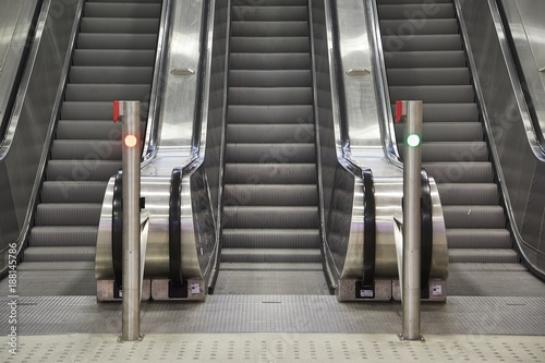 Foto op Plexiglas Trappen Escalator and stairs