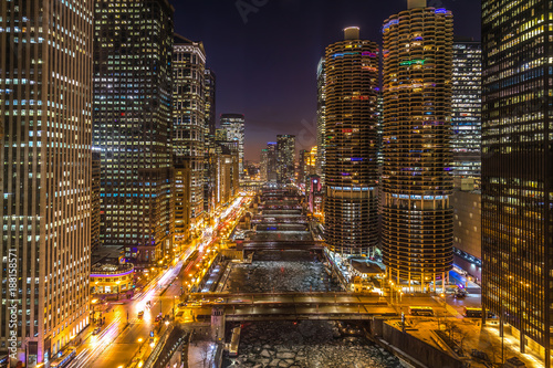 Poster Chicago Chicago night skyline river and buildings