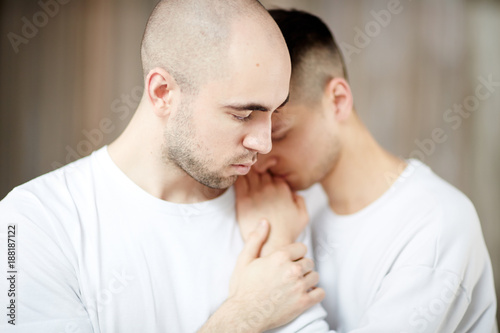 Azji kaukaski gej randki