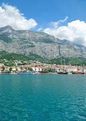 Blick auf Makarska Stadt an der Makarska Riviera,Dalmatien;Kroatien