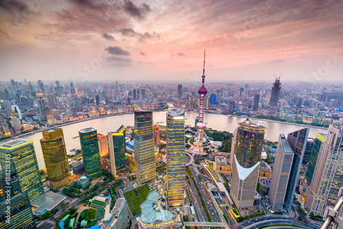 Photo  Shanghai, China Cityscape over Pudong Financial District.