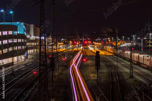 Fotobehang Treinstation Bamberger Bahnhof bei Nacht