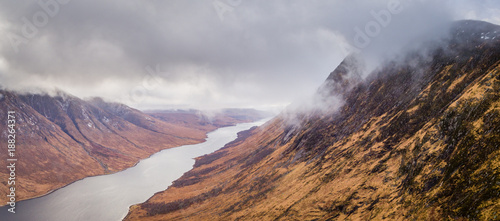 Photo landscape view of scotland and glen etive in winter from an aerial viewpoint in