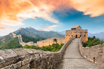 Kineski zid u dijelu jinshanling, krajolik zalaska sunca